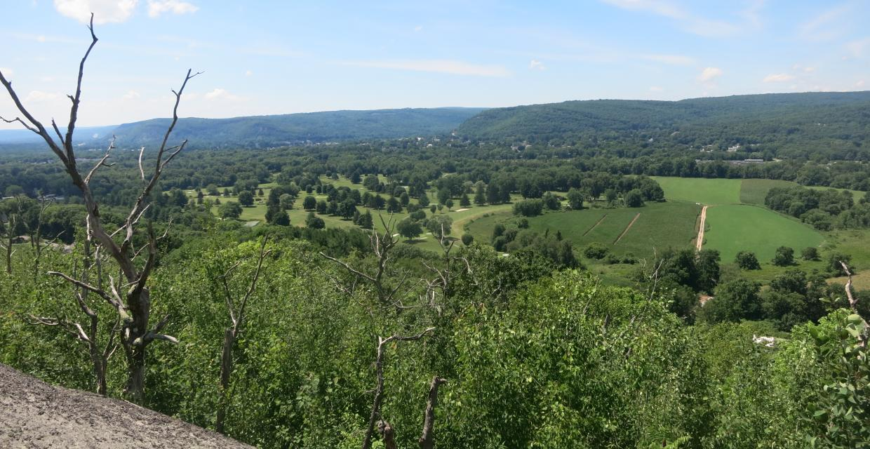 West-facing view from the Minisink Trail - Photo by Daniel Chazin