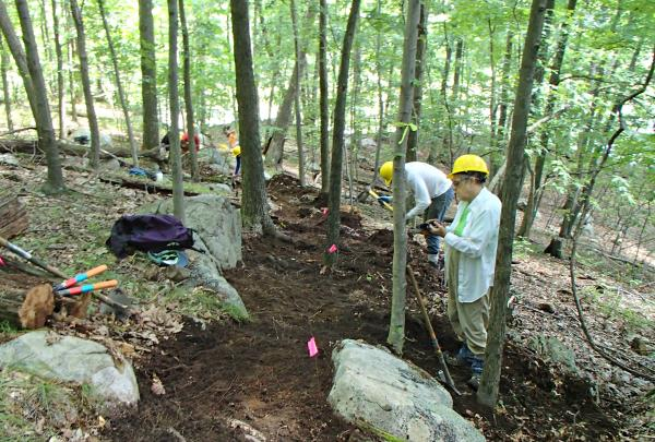 Sidehilling workshop in Sterling Forest State Park. Credit: New York-New Jersey Trail Conference.